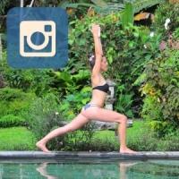 Instagram Bild mit Icon von Mia Namaste am Pool in Bali.