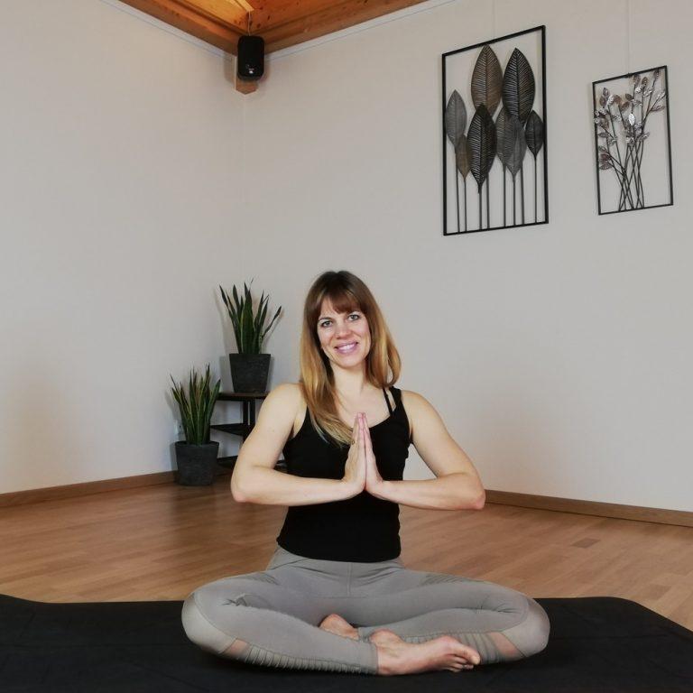 Yoga im Moorquell am Längsee.